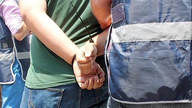 1'i çocuk 3 kişi 4 ruhsatsız silahla yakalandı