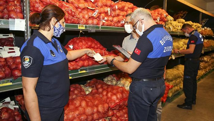 Büyükşehir, sebze meyve fiyatlarıyla ilgili sıkı denetimler gerçekleştiriyor