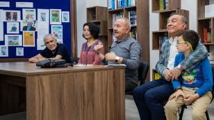 Seyhan'da Edebiyat ve Sanat geçlerin ayağına götürüldü!