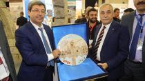 Antalya'da Yüreğir'in standına büyük ilgi