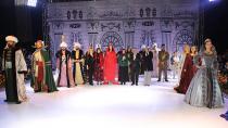 Osmanlı Saray Esvapları defilesi büyüledi...