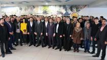 AK Parti'ye Katılımlar Devam Ediyor