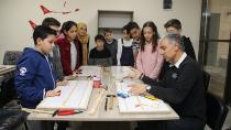 Yüreğirli çocuklar artık model uçak yapmayı öğreniyor!