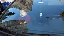 Annesi Tarafından Otomobilde Bırakılan Çocuk, Boğulmaktan Son Anda Kurtuldu