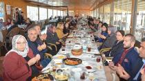 AK Parti Çukurova, Şehit Alileriyle Kahvaltıda Buluştu