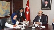 ''Nurhan Demirtaş Ortaokulu'' için protokol imzaladı.