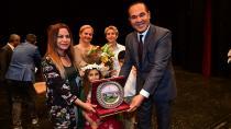Çevreye duyarlı gençler ödüllerini Başkan Sözlü'den aldılar