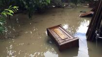 Adana da Sağanak Yağış Hayatı Felç Etti