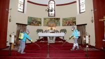 Adana Büyükşehir Belediyesi Bebekli Kilise'yi ilaçladı