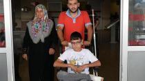 Babasına Yardım Ederken Ayağına Satır Düşen Çocuk Yaralandı