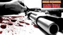 Caddede Cinayet İşlendi, Kahvedekiler Oyuna Devam Etti