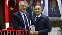 Elit Haber'e bir ödül de İzmir'den...