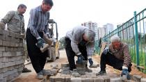 Kozan'da asfalt ekipleri, dört bir yandan çalışıyor!