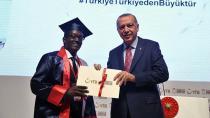 Türkiye'nin En Başarılı 20 Yabancı Öğrenciden Biri ÇÜ'lü