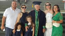 Cezaevinde 70 yaşında ikinci üniversiteyi bitirdi
