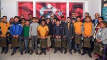 Vali Demirtaş, öğrencileri 'Mutlu' etti...