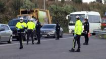 Adana'da polis, otoyolda korona virüs denetimi yaptı