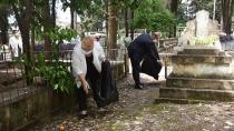 Başkan Erdem ekibi ile mezarlık temizledi...