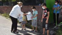 Ceyhan'da çocuklar bayrama mutlu girdi...