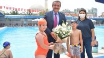 Çukurova'da havuzlar çocuklarla şenlendi...