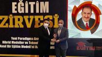 Yaşam Boyu Eğitim Ödülü Ertem'in!