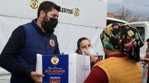 Yüreğir Belediyesi 70 Bin Gıda Kolisi Dağıttı...