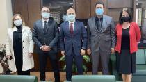 """""""Sağlık çalışanları pandemide  fedakarca mücadele ediyor"""""""