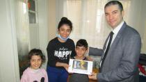 DEVA Partisi öğrencileri tablet ile sevindirdi
