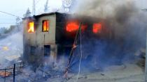 Cehennem gibi! Adana'daki orman yangınında evler alevlere teslim oldu