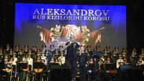 Rus Kızılordu Korosu ve Haluk Levent, konser verdi