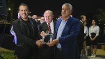 Başkan Karalar'dan Haluk Levent'e Onur Ödülü