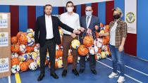 Yüreğir Belediyesi'nden Okullara Spor Malzemesi Desteği